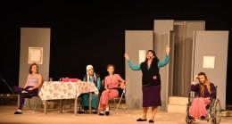 Kadına yönelik şiddet 'Mor'  oyunu ile sahneye taşındı