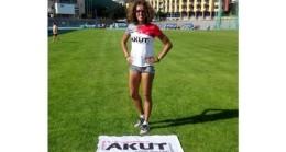 AKUT Sporcusu Zeynep Yıldız Masterlar Şampiyonası'nda Türkiye Rekoru Kırdı!