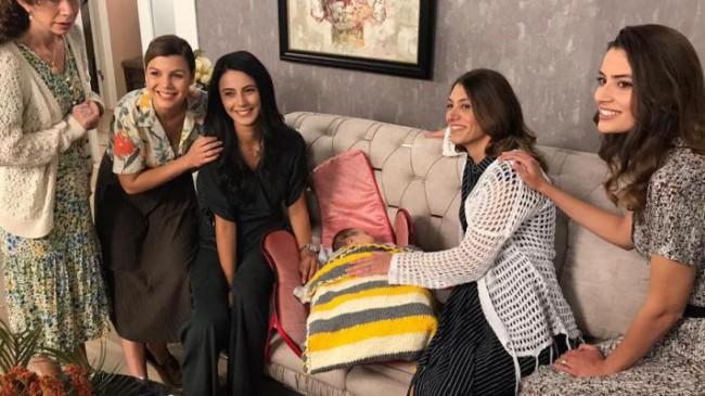 """""""Acemi Anneler"""" ilk bölümüyle TRT 1 ekranlarında…"""